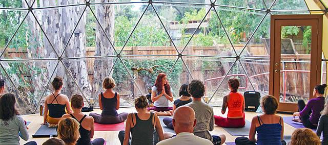 qmpg-blog-geodesica-yoga